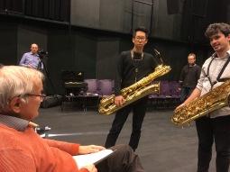 Vinko Globokar working on Discours V with saxo students at ZHdK 2017